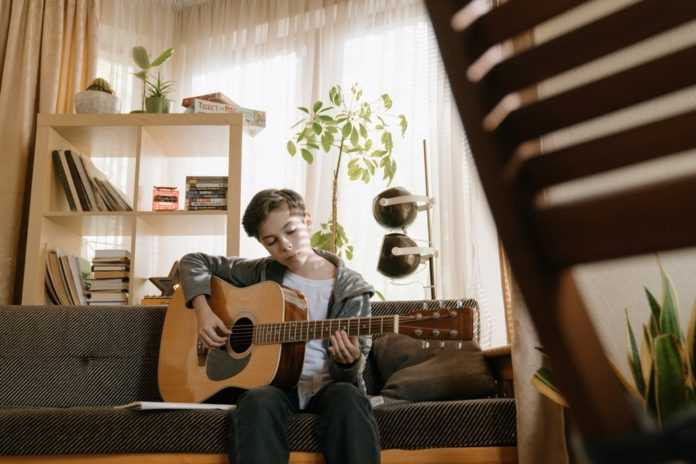 10 Helpful Factors On How To Buy Guitar For A Child