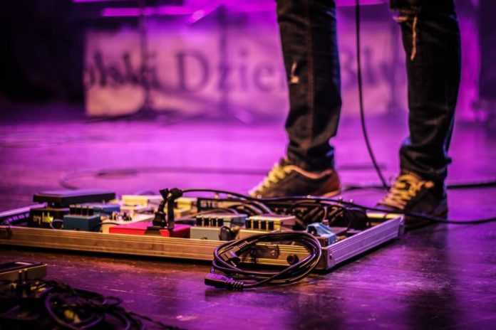 10 reasons why you should have a pedalboard